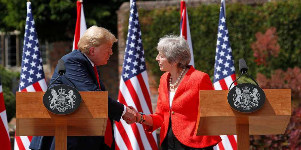 Παρέμβαση της τελευταίας στιγμής από τον Τραμπ – Στηρίζει «no-deal Brexit»