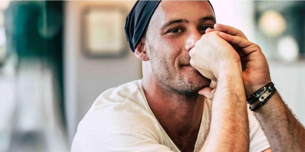 O ηθοποιός Αντίνoος Αλμπάνης αποκάλυψε ότι υποβάλλεται σε χημειοθεραπείες