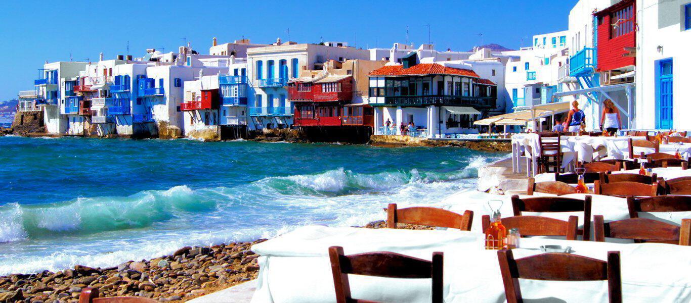 Τα παραδοσιακά πιάτα που πρέπει να δοκιμάσετε αυτό το καλοκαίρι στα ελληνικά νησιά