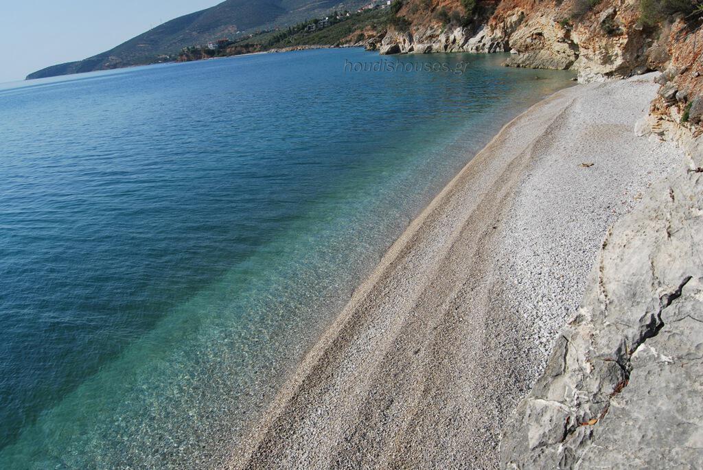 Οι καλύτερες οργανωμένες παραλίες στην Αθήνα – Εκεί θα πας να βουτήξεις
